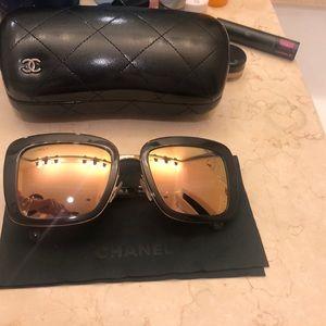 Chanel sunglasses rosegold mirrorno single scratch